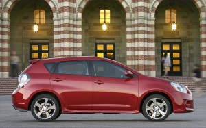 2009_pontiac_vibe+side_view